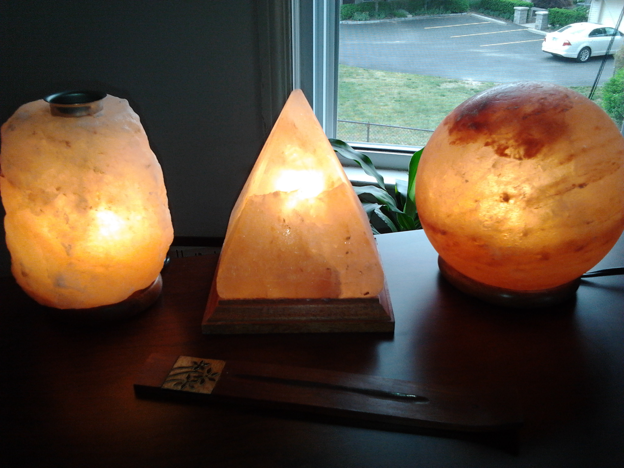 Salt Lamps Good For : Is The Lighting In Your Home Affecting Your Sleep?