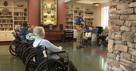 This is What Happens When Live Music is Played in An Elderly Home (It Will Make You Smile Or Cry)