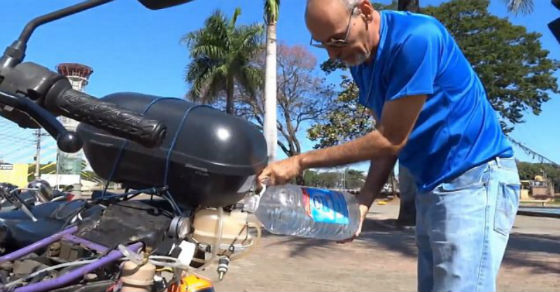 This Inventor Get's 300 MPG With Water As Fuel On His Motorcycle